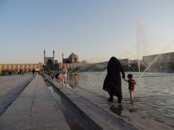 'Esfahan ist die Hälfte der Welt', lautet ein persisches Sprichwort. Und es stimmt die Stadt ist eine angenehme Augenweide.
