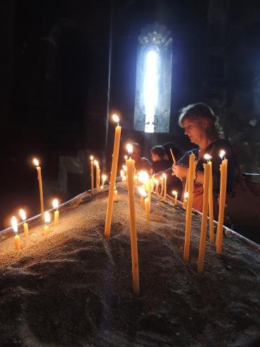 Seit die Soviets weg sind, können sich die Armenier wieder ihrer althergebrachten Religion, dem orthodoxen Christentum, widmen.