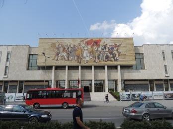 Die Geschichte des Landes auf einem einzigen Mosaik in Tirana