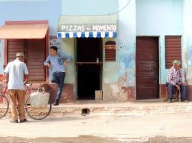 Keine Soapkulisse, vielmehr eine typische Straßenszene in Trinidad